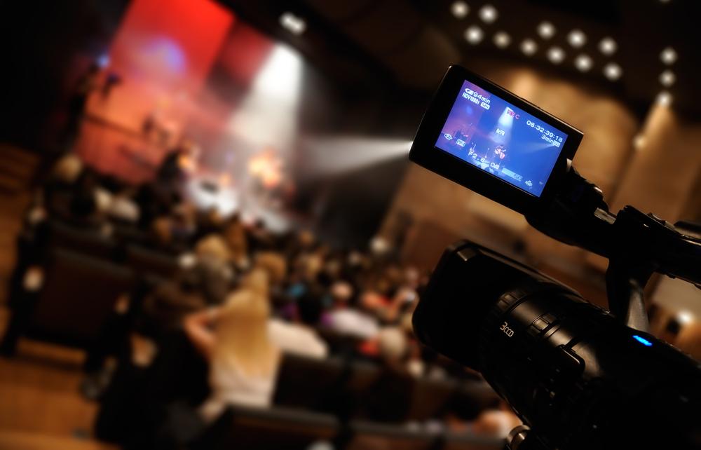 Streaming video live sul web su Facebook e YouTube