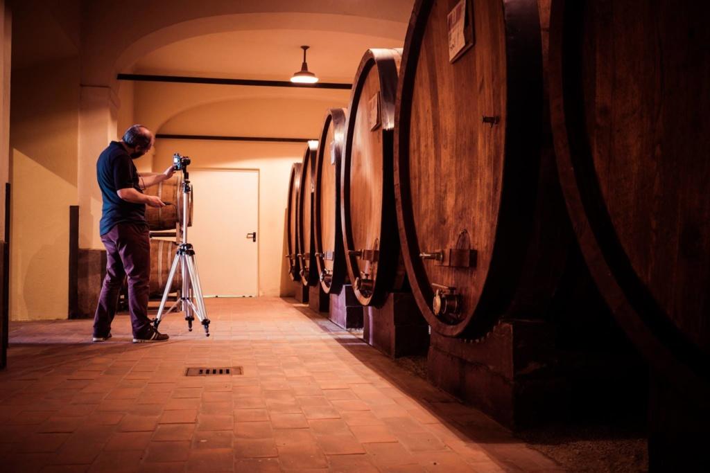 Fotografo Professionista ad Alessandria al lavoro in una azienda vitivinicola
